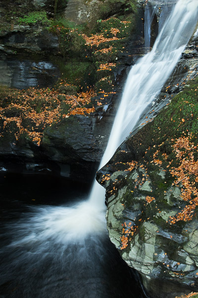 autumn_waterfall_2.jpg