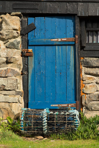 blue_door_and_lobster_pot.jpg