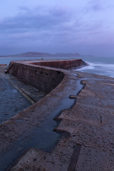 lyme_regis__the_cobb.jpg