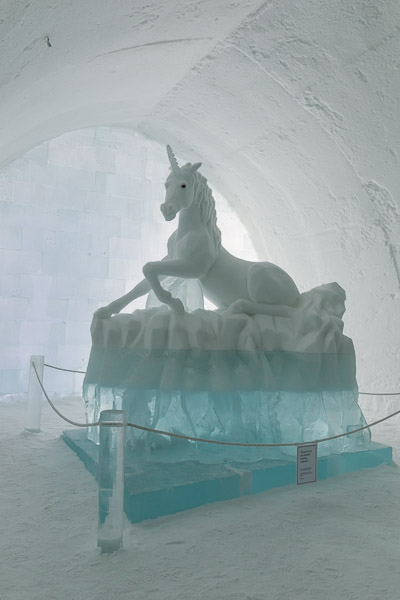 ice_hotel_unicorn_1.jpg