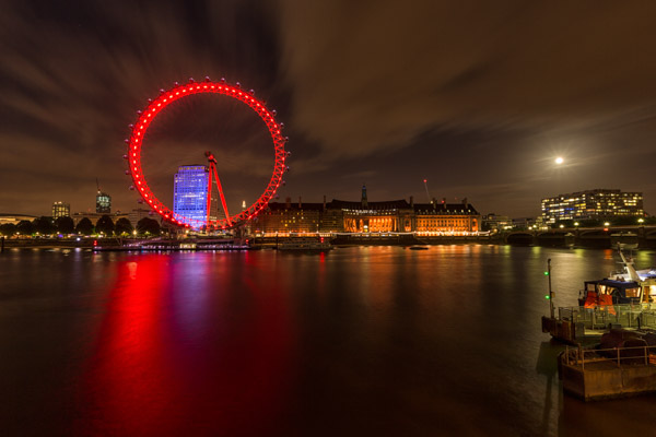 full_moon_by_the_london_eye.jpg
