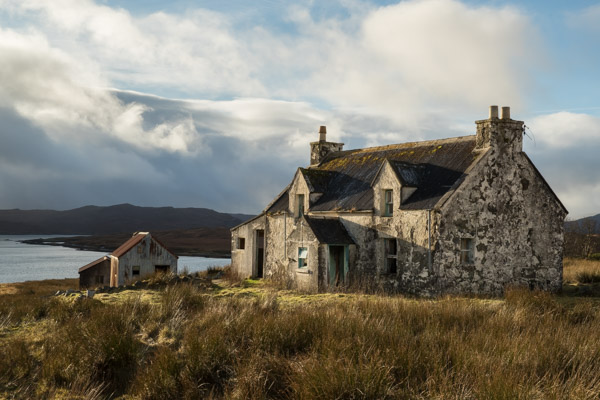 derelict_cottage_2_harris.jpg